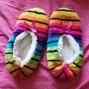 Shoes - Slippers